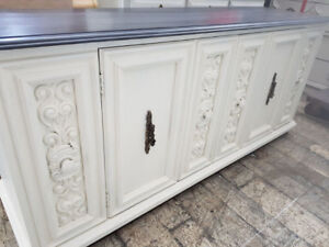 White Buffet / TV Stand
