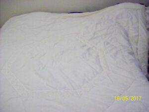 Lace Comforter Set
