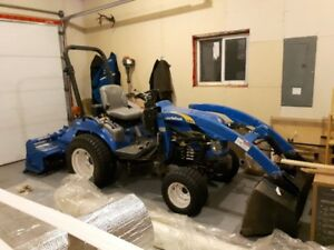 New Holland Boomer 1030 utility tractor for sale
