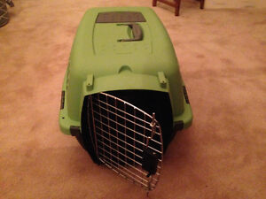 Petmate pet carrier kennel