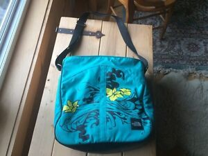 Northface shoulder bag - teal and fun design