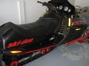 1999 Ski-doo Mach 1 700 with 5500 kms or trade for mint raptor