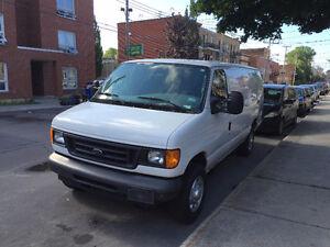 2007 Ford Econoline Cargo Van E-250 camion