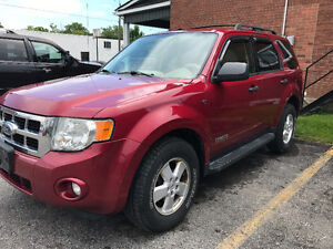 2008 Ford Escape loaded top-of-the-line  180kms