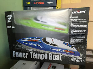 Brand New UDI-002 TEMPO 30km/h High Speed R/C Boat Ready to Go