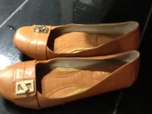 NINE WEST BRAND NEW FLATS SIZE 8