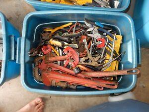 Plomberie, Pince, et autres outils