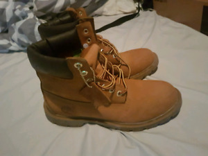 TIMBERLAND MENS BOOTS SIZE 8.5