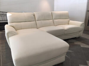 Demonstrateur Sofa Sectionnel Cuir, SOLDE!!!