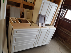 NEW THERMOFOIL DOOR KITCHEN CABINETS