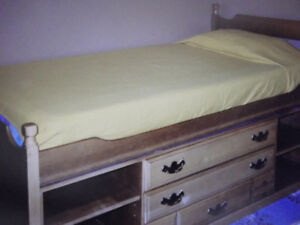 5-piece bedroom set suitable for young boy or girl