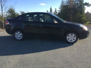 2009 Ford Focus SES Leather --- Well Maintained