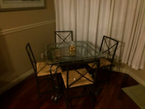 fully furnished   studio apartment in heart of downtown
