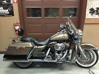 2005 hd road king, really good condition