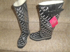 Ladies size 6, 7 and 8 rain boots.