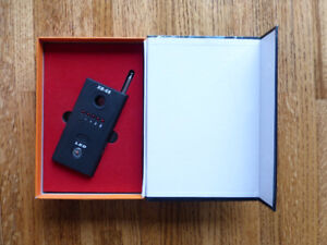 Selling an XB-68 RF Detector And Camera Finder
