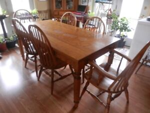 HARVEST TABLE AND CHAIRS SET