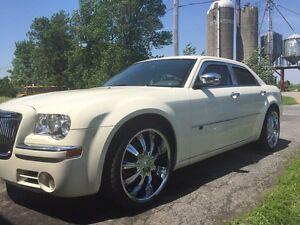 Chrysler 300c hemi 5.7 mag 22 pouce neuf impeccable