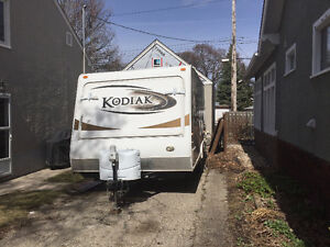 2011 Dutchmen Kodiak 181e hybrid travel trailer