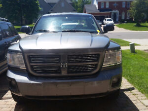 Dodge Dakota SXT Pickup Truck for QUICK SALE