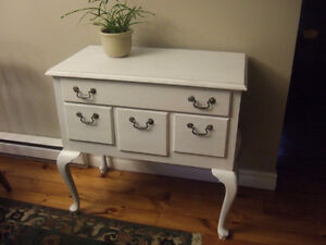 """Shabby Chic """" Queen Anne """" dressing table Kingston Kingston Area image 1"""