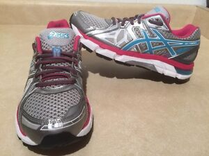 Women's Asics Gel-Fortify Running Shoes Size 9 London Ontario image 1
