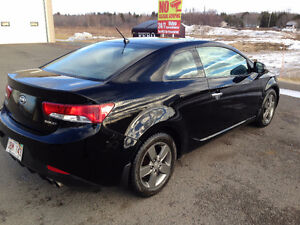 2011 Kia Forte EX Coupe (2 door)