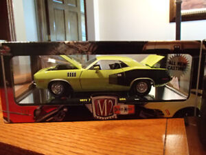 1:24 SCALE DIE-CAST 1971 PLYMOUTH HEMI CUDA - CURIOUS YELLW M2