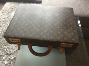 Gently Used Louis Vuitton 1994 Monogramed Items