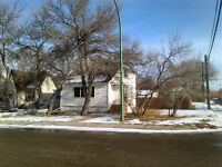 Large 3 bedroom house in a good area