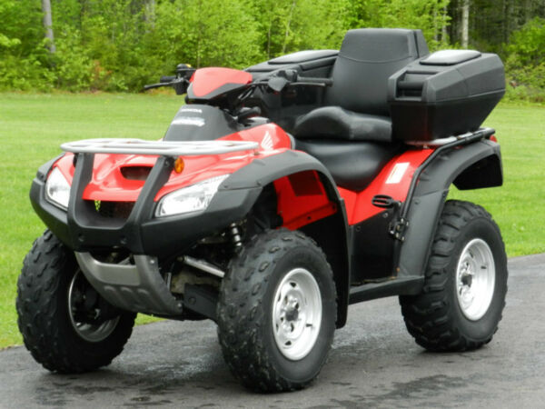 honda rincon 680 like new and priced to sell for sale canada. Black Bedroom Furniture Sets. Home Design Ideas