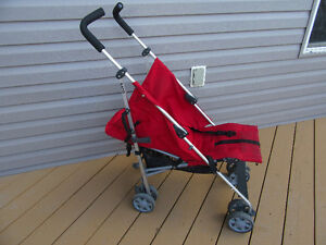 Fold up stroller, Mamas + Papas brand, can be adjusted