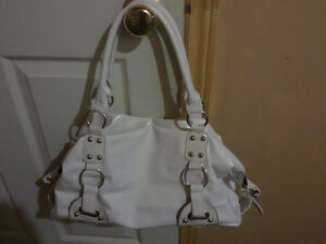 Women's white handbag shoulder bag purse Good condition