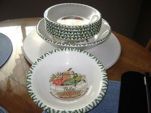 Pasta serving dish set