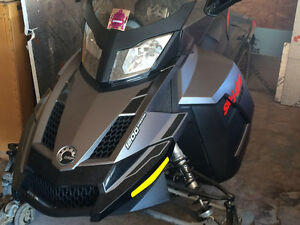 """2015 GSX SE 1200 with 1600 MILES 137"""" track"""