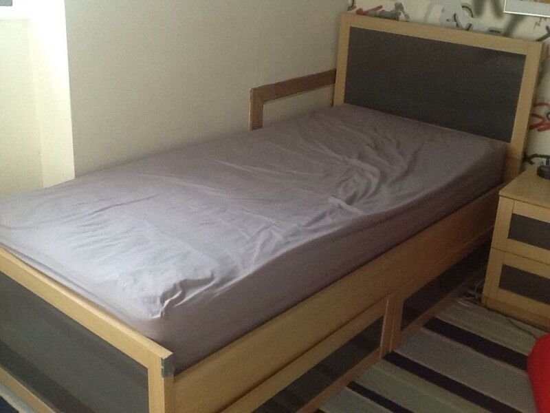 Single bed with mattress and draws