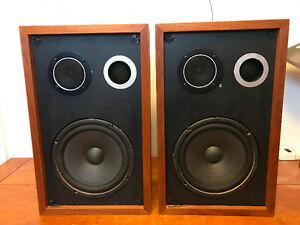 Bookshelf Speaker  -  40 Wats