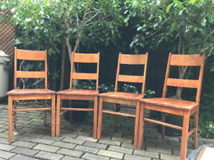 ANTIQUE SET OF CLASSIC ARTS & CRAFTS LADDER BACKED CHAIRS