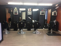 UNISEX HAIR SALON CHAIR FOR RENT HEART OF GATINEAU DOWNTOWN