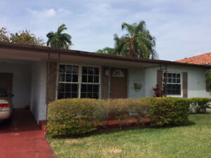 Just listed for rent House in Hallandale - 1 mile from beach