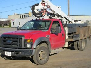 2008 Ford F550 4 X 4 Altec 42' Bucket Truck.. 50K On New Engine!
