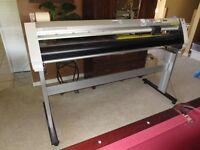 Graphtec fc7000-130 vinyl cutter plotter