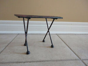 Decorative black metal bench and table display accent NEW London Ontario image 4