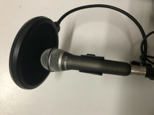 Samson Q8 Microphone With Stand