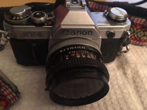 Appareils de photos argentiques Canon AT1 &  AE1 et accessoires