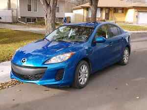 2012 Mazda3 with command start *Price reduced*