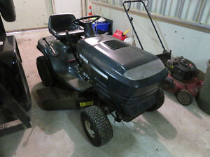 Craftsman 42 inch Lawn Tractor and Dump Trailer London Ontario image 2