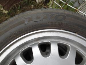 "OEM BMW 15"" wheels and excellent all season tires Gatineau Ottawa / Gatineau Area image 3"