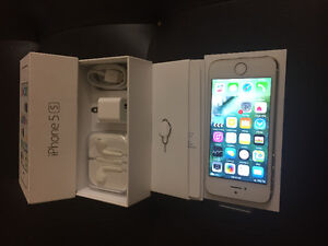 100%100 never been used gold iPhone 5S 64GB with Rogers or chatr
