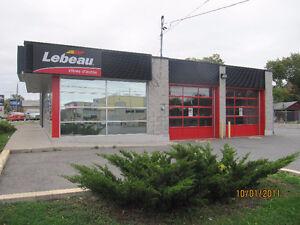 A Pierrefond coin de rue commercial sur boulv st charles West Island Greater Montréal image 3